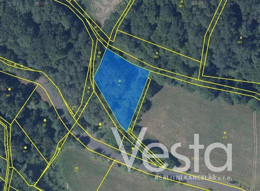 Prodej pozemku v obci Úštěk, 1 856 m2