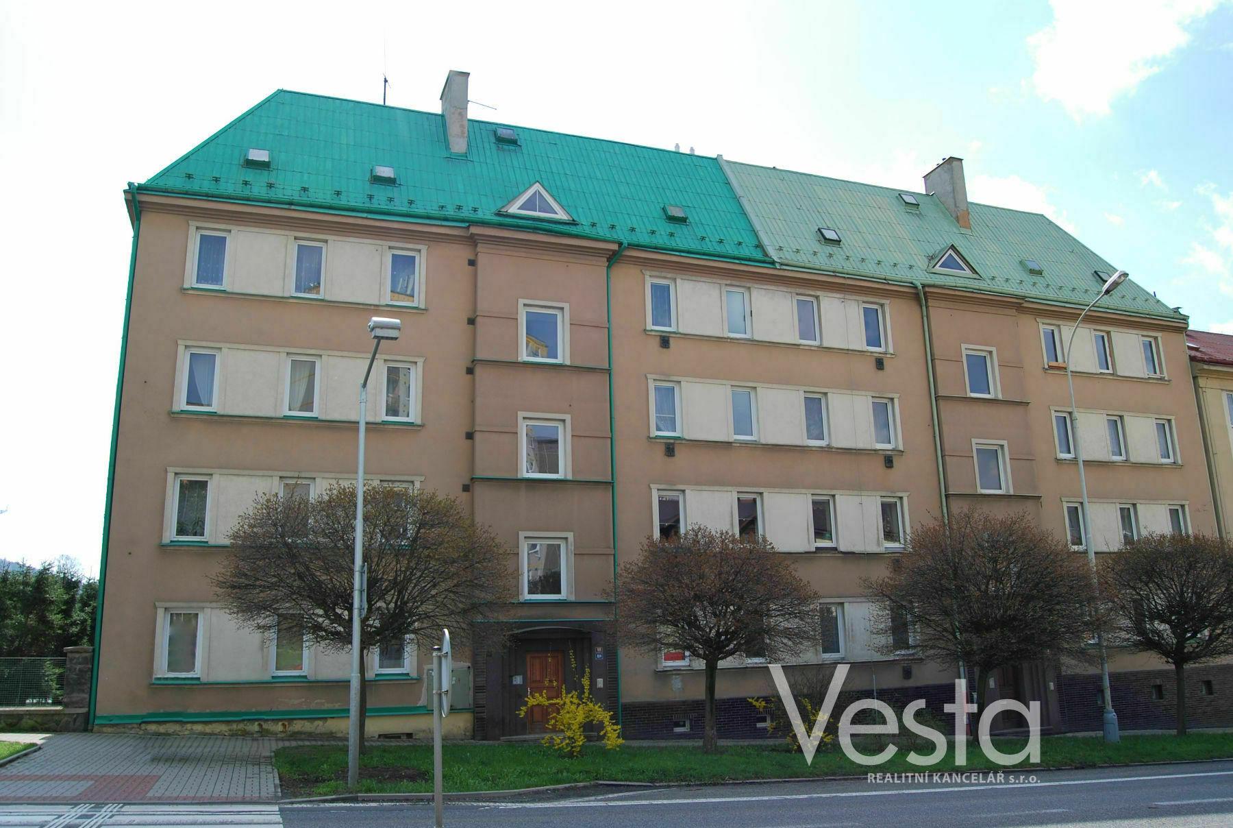 Prostorný byt 2+1 s balkónem a krásným výhledem